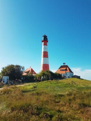 Leuchtturm // Photo by reiseuhu via unsplash