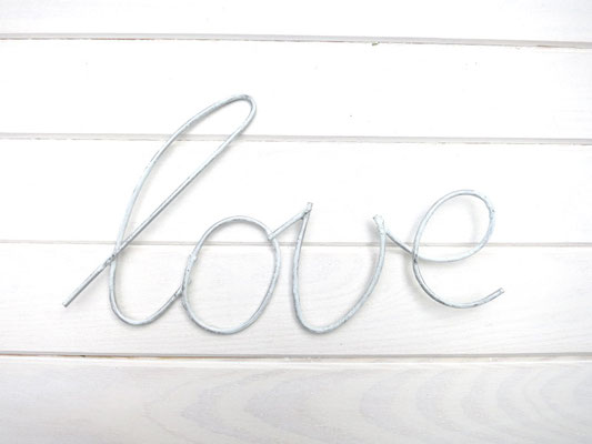 Metallschriftzug - love -