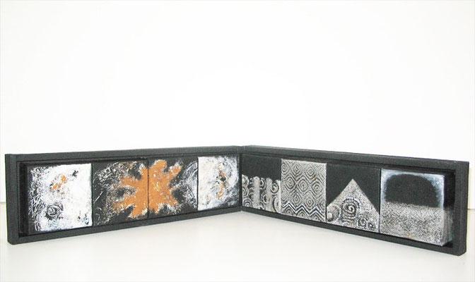 Minimuseum; Objekt mit austauschbaren Minimalereien, 2010, 200 x 30 cm