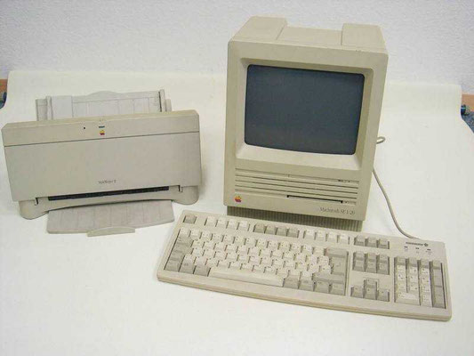 "Apple Macintosh SE 1-20, <a href=""http://www.homecomputermuseum.de/comp/84_de.htm"" target=""_blank"" >http://www.homecomputermuseum.de/comp/84_de.htm</a>"