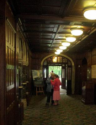 Das Foyer des Verwaltungs-/Sozial-Gebäudes.