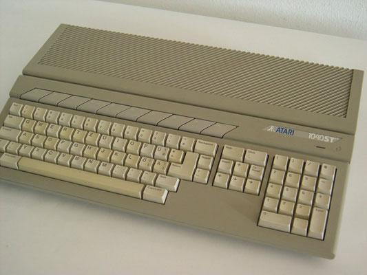"""Atari 1040ST, <a href=""""https://de.wikipedia.org/wiki/Atari_1040_STE"""" target=""""_blank"""" >https://de.wikipedia.org/wiki/Atari_1040_STE</a>"""