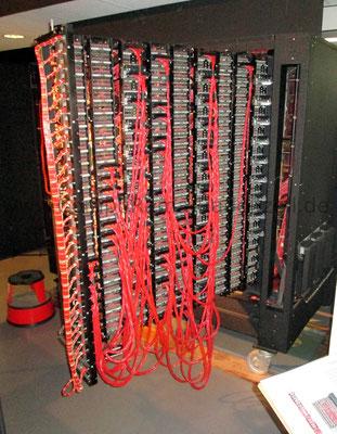 Nachbau  der Enigma-Entschlüsselings-Bombe: Hinterer Einbaurahmen, Rueckseite