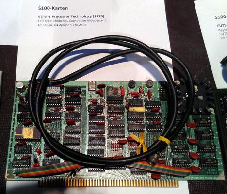 """Video-Steckkarte für den ALTAIR oder den IMSAI mit einem S100-Bus-Anschluß <a href=""""https://de.wikipedia.org/wiki/Altair_8800#S-100-Bus"""" target=""""_blank"""" >https://de.wikipedia.org/wiki/Altair_8800#S-100-Bus</a>"""