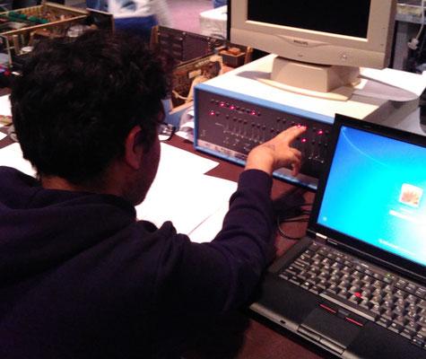 """Nachbau der Konsole und Simulator einer ALTAIR-8800. <a href=""""https://de.wikipedia.org/wiki/Altair_8800"""" target=""""_blank"""" >https://de.wikipedia.org/wiki/Altair_8800</a>"""