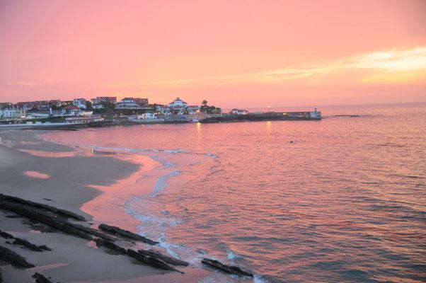 Der sensationalle Sonnenuntergang nach dem Wolkenbruch
