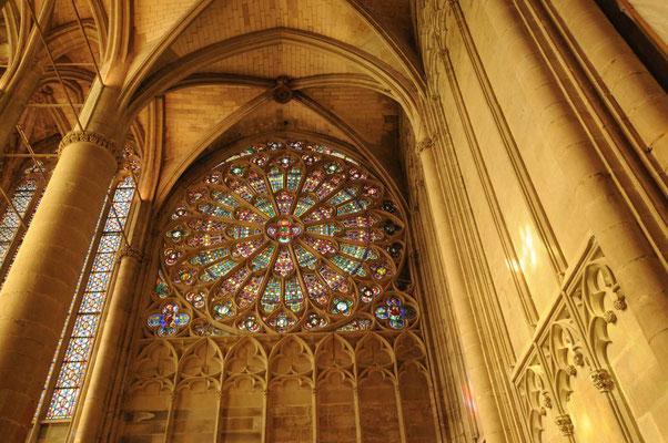 Kirchenfenster der Basilika Saint-Nazaire