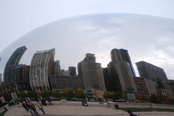 Spiegelung der Skyline in der Cloud gate