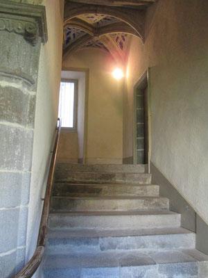 Hôtel de St Chamand avec escalier Renaissance et croisées d'ogives gothiques