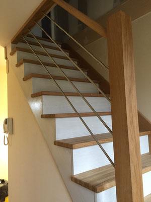 Escalier 1/4 tournant chêne massif avec contre marche huilées blanches