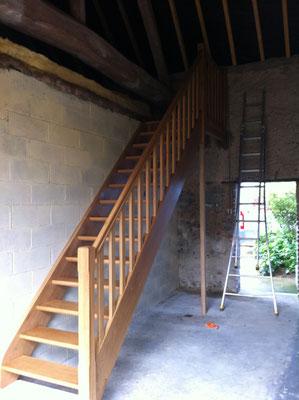 Escalier droit avec palier (chêne massif)2