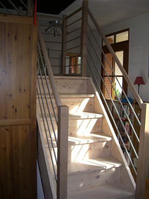 Rampe chêne et inox + restauration d'un escalier en sapin (ponçage, huile) (bas)