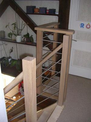 Rampe chêne et inox + restauration d'un escalier en sapin (ponçage, huile) (haut)