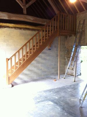 Escalier droit avec palier (chêne massif)1