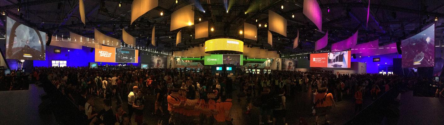 2015_EA @ gamescom with Team Sollik.
