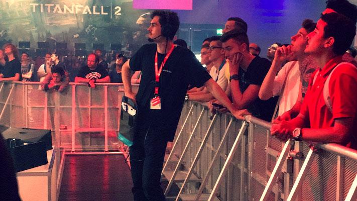 2016_Felix with Team Sollik for EA @gamescom. Manager Live Program 2016.