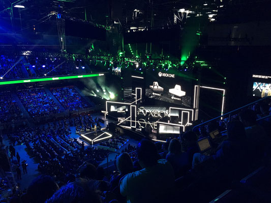 Microsoft's X-Box Press Briefing is a huge experience indeed.