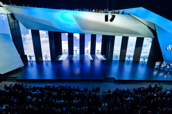 Daimler IAA Press Conference 2011 with Andree Verleger. Copyright Ralph Larmann! Thank you for this great shot.