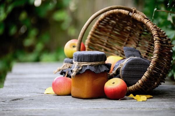 Ernte; harvest; Äpfel; apples; Marmelade; jam; Korb