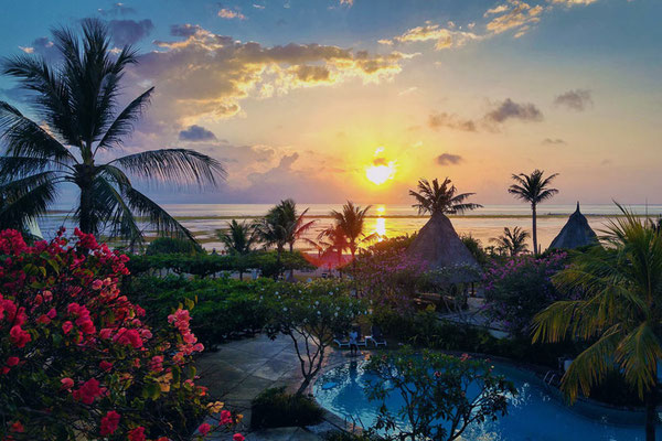 Sunrise at the Grand Mirage Resort in Bali | Hotels In Bali Indonesia | via @Just1WayTicket