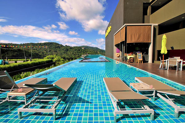 Large infinity swimming pool at the Nok-Dee Boutique Resort Phuket | Travel Guide To Phuket: Things To Do in Phuket And Places To Stay | via @Just1WayTicket | Photo © Sabrina Iovino