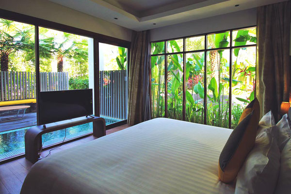 Spacious Bedroom at the Novotel Phuket Karon Beach Resort & Spa | Travel Guide To Phuket: Things To Do in Phuket And Places To Stay | via @Just1WayTicket | Photo © Sabrina Iovino
