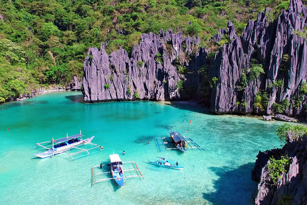 Cadlao Lagoon in El Nido, Palawan | Coron Or El Nido? Which One Is Really Better? | A Travel Guide to Philippines Last Frontier | via @Just1WayTicket