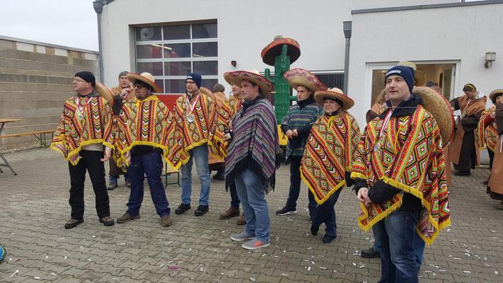 Feuerwehr Niederdrees Karnevalszug 2018 Spielmannszug Echo