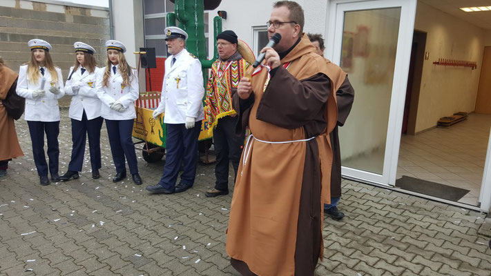 Ralf Niederdrees Karnevalszug 2018 Spielmannszug Echo