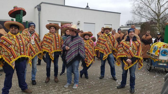 Löscheinheit Niederdrees Karnevalszug 2018 Spielmannszug Echo