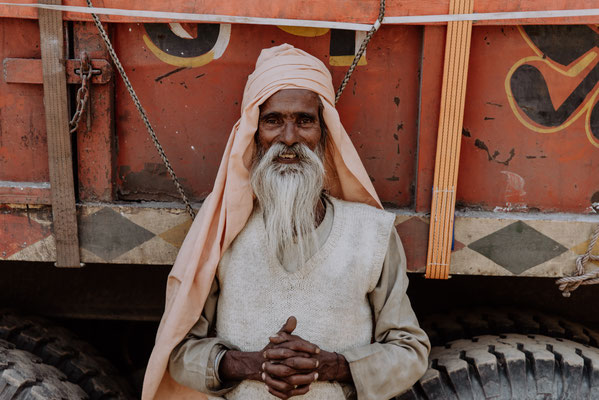 "65 ""Indian Trucker"" Indien"