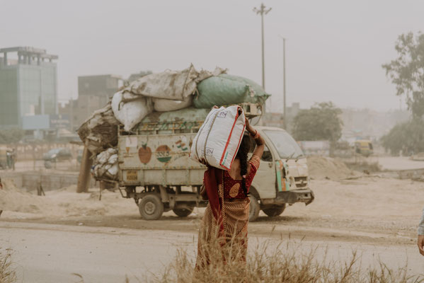 """56 ,,Daily Life"""" , Indien"""