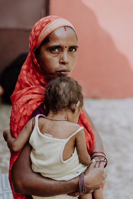 "66 ""Mother & Child"", Indien"
