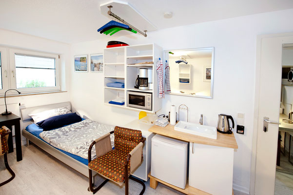Area B, Room no. 4 (3 beds)