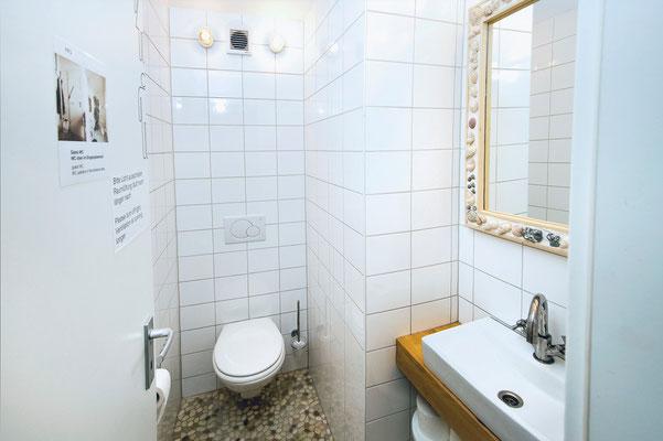 Area B, toilet