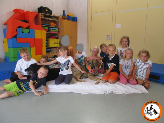 Gruppenfoto der Schulanfänger