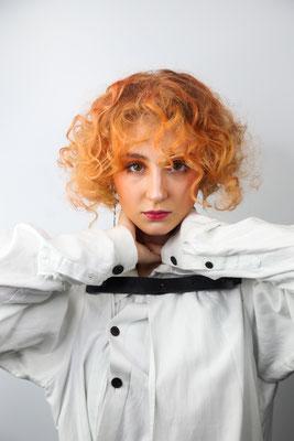 Photo: Stephan Schneemann Hair & Make-up: Backstage Hairconcept / Stephan Schneemann & Make-up Society / Natalia Model: Anna