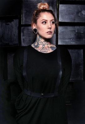 Photo: Anna-Lena Meiseberg Hair & Make-up: Make-up Society Model: Yvonne