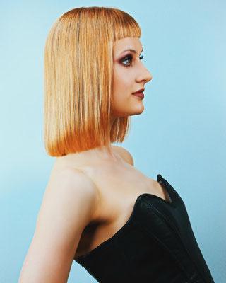 Photo: Stephan Schneemann Hair & Make-up: Marina Model: Karina