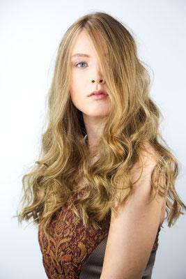 Photo: Stephan Schneemann Hair & Make-up: Marina Model: Luca Marie