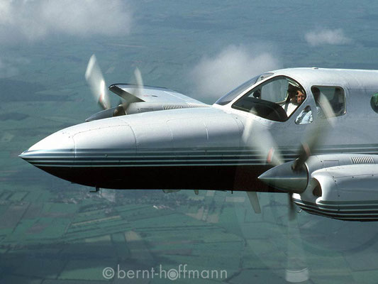 "Air-to-Air: Cessna 421 – ""Pilotenportrait"""
