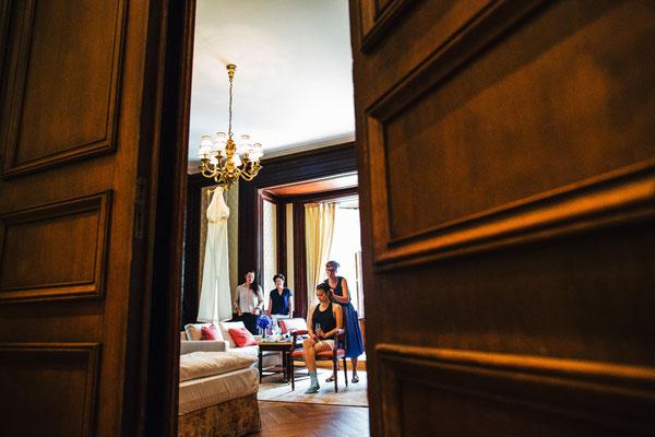 Braut-in-Hochzeitssuite-Villa-Rothschild