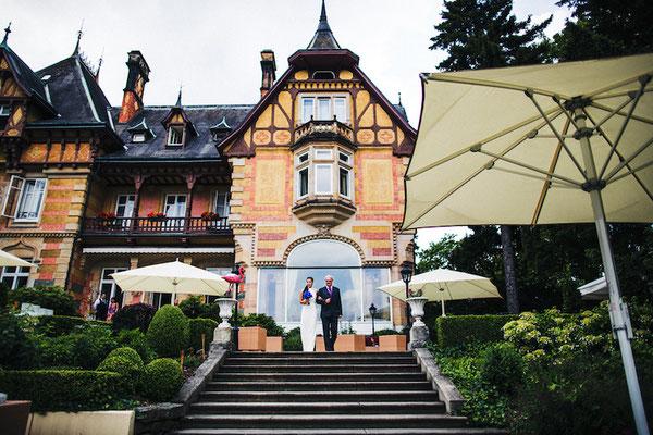 Braut-vor-Villa-Rothschild