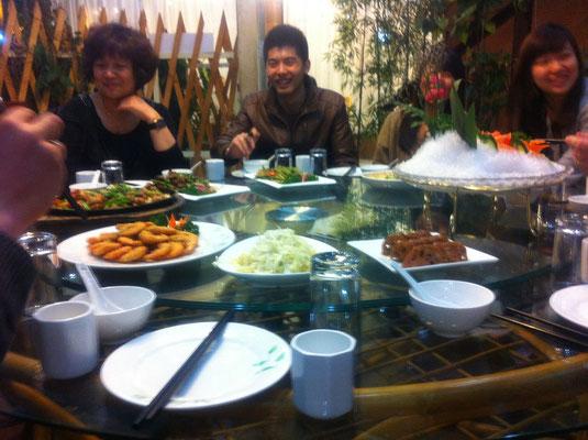 In China isst man nie alleine .-)