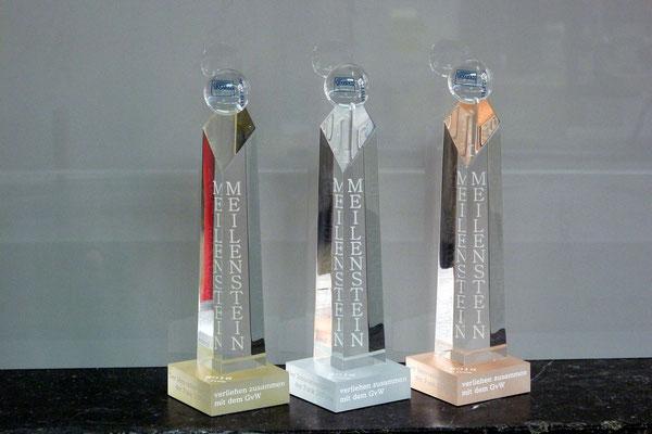 meilenstein pokal award plexiglas acrylglas gravur