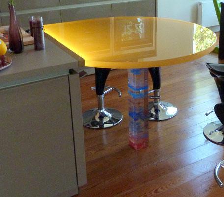 esstisch plexiglas acrylglas beleuchtet farbig möbel