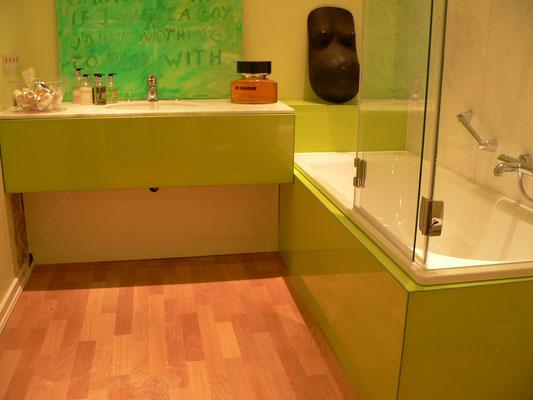badezimmer waschtisch plexiglas acrylglas