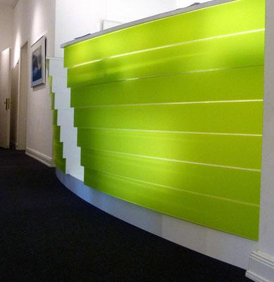 arztpraxis tresen empfang plexiglas acrylglas beleuchtung licht