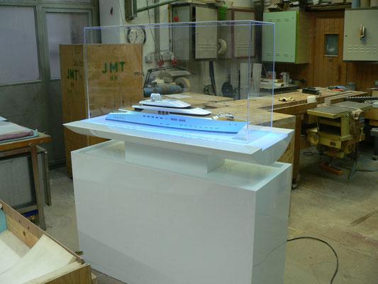 museumshaube präsentation plexiglas acrylglas
