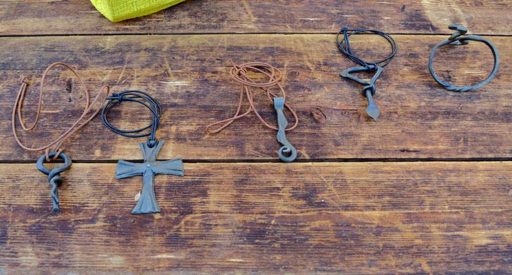 verschiedene Halsketten